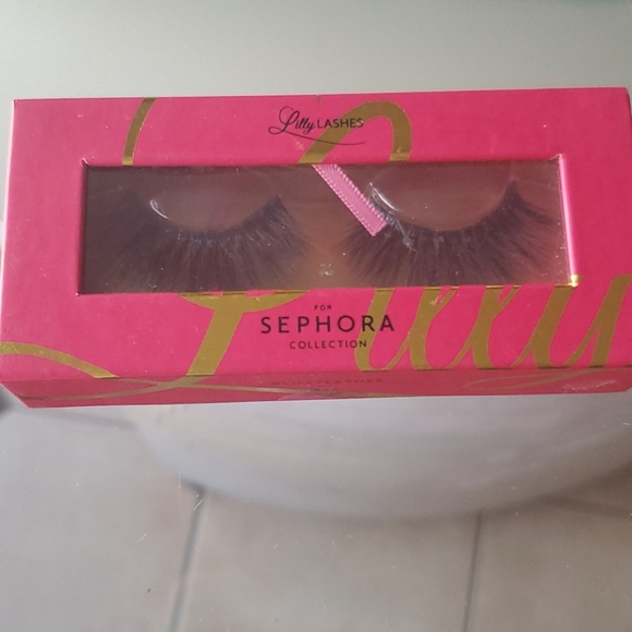 Lilly by sephora lashes *MIAMI style